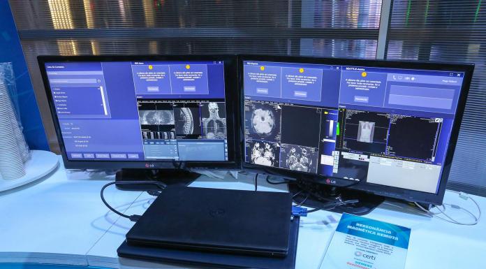 Computadores com imagens de diagnóstico